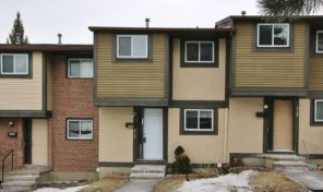 *SOLD* 2727 Pimlico Cr – Fantastic Townhouse Close To Everything!