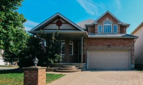 *SOLD* 126 Mosswood Court – Beautiful House For Sale in Hunt Club Neighbourhood!